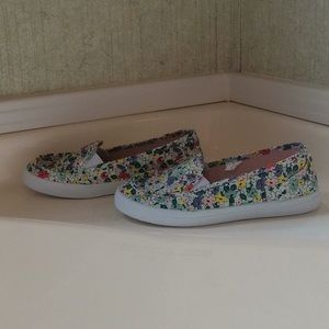 Other - Girls Floral Print Canvas Style Slip on Sneaker